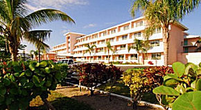 Castaways Resort & Suites
