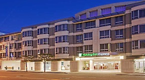 Holiday Inn Express & Suites<br>San Francisco Fisherman's Wharf